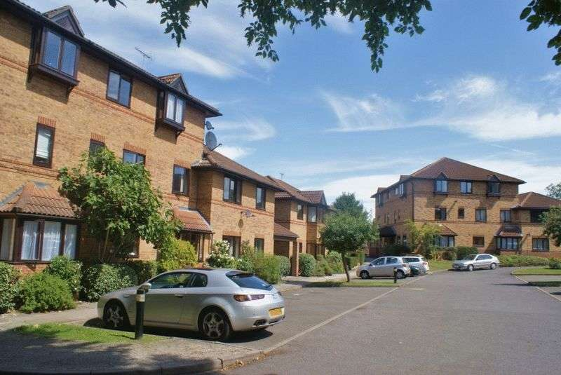 1 Bedroom Flat for sale in St Swithens Court, Twyford