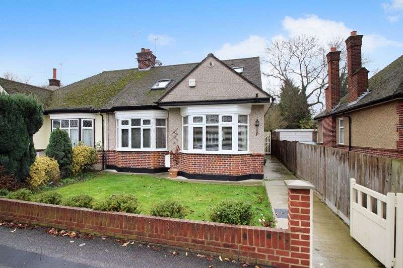 4 Bedrooms Semi Detached Bungalow for sale in Manor Park Drive, North Harrow
