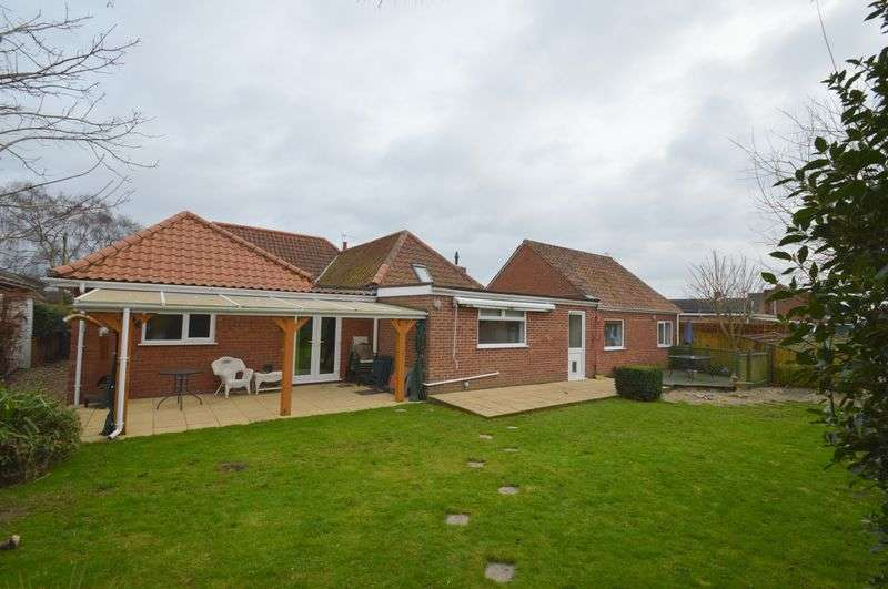 6 Bedrooms Detached Bungalow for sale in Stafford Avenue, New Costessey, Norwich