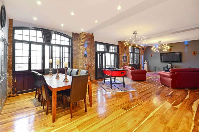 4 Bedrooms Flat for sale in Telfords Yard, Wapping, E1W