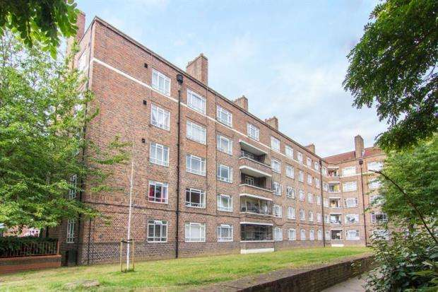 3 Bedrooms Apartment Flat for sale in Hargraves House, White City Estate, Shepherds Bush, W12