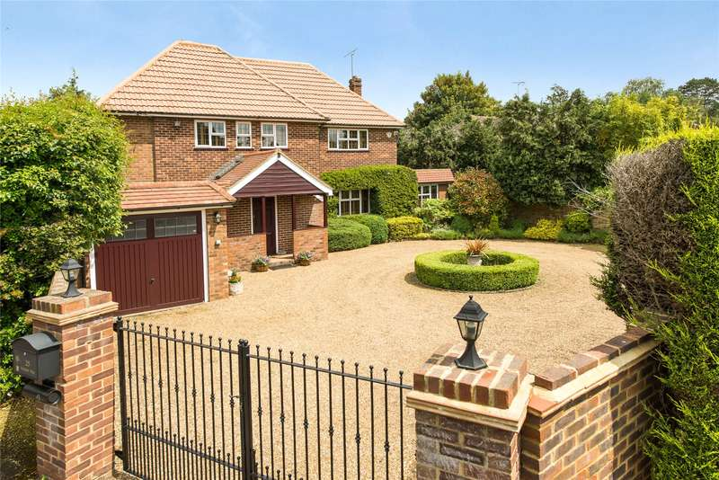 5 Bedrooms Detached House for sale in Oxshott Way, Cobham, Surrey, KT11