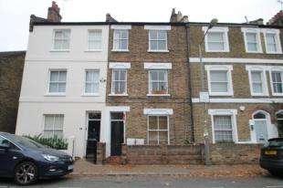 4 Bedrooms Terraced House for sale in Bridge Lane, Batttersea, London, .