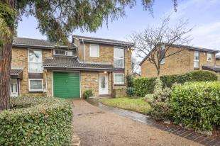 5 Bedrooms Link Detached House for sale in Selborne Road, Croydon, Surrey