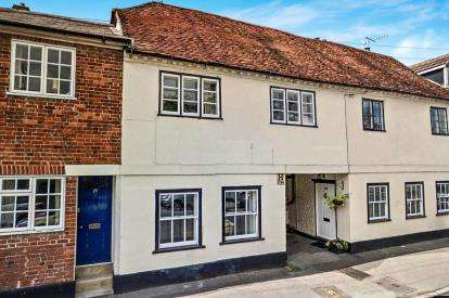 2 Bedrooms Terraced House for sale in Wilton, Salisbury, Wiltshire