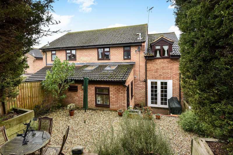 5 Bedrooms Semi Detached House for sale in Watchfield