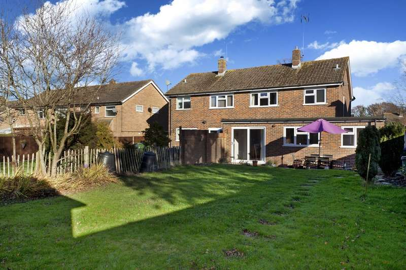 3 Bedrooms Semi Detached House for sale in Millfield, Southwater