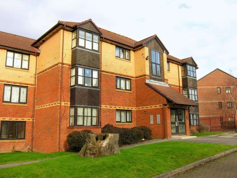 1 Bedroom Flat for sale in Palmers Green, N13