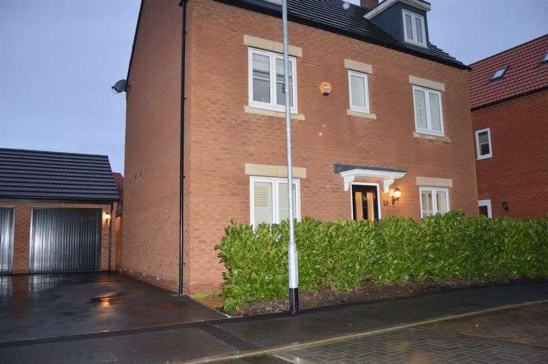 4 Bedrooms Detached House for sale in Towgood Close, Peterborough
