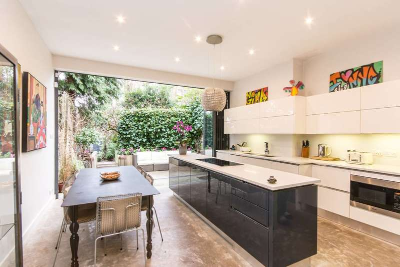 4 Bedrooms House for sale in North End Road, Golders Green, NW11