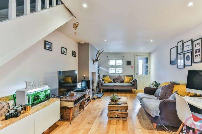 2 Bedrooms Terraced House for sale in Granley Road, Cheltenham