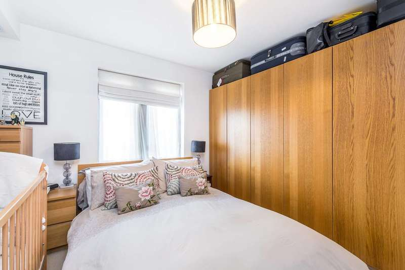 1 Bedroom Flat for sale in Hunt Close, Notting Hill, W11