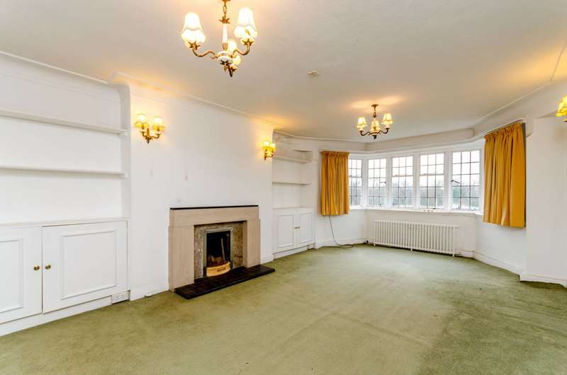 3 Bedrooms Flat for sale in Portsmouth Road, Putney Heath, SW15
