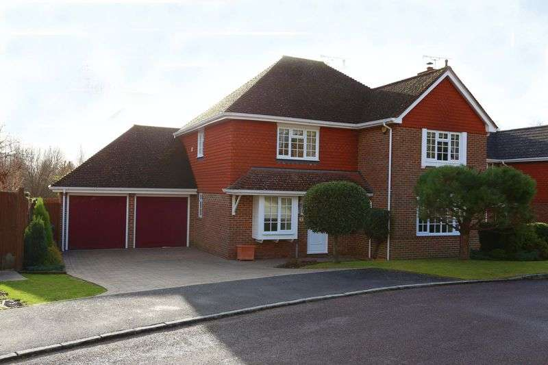4 Bedrooms Detached House for sale in Bennetts, Bolney