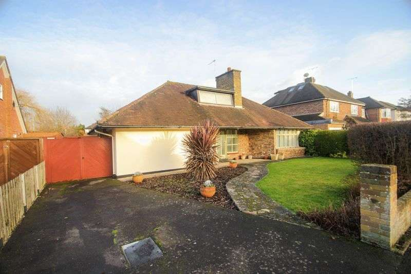 2 Bedrooms Detached Bungalow for sale in Ashtead