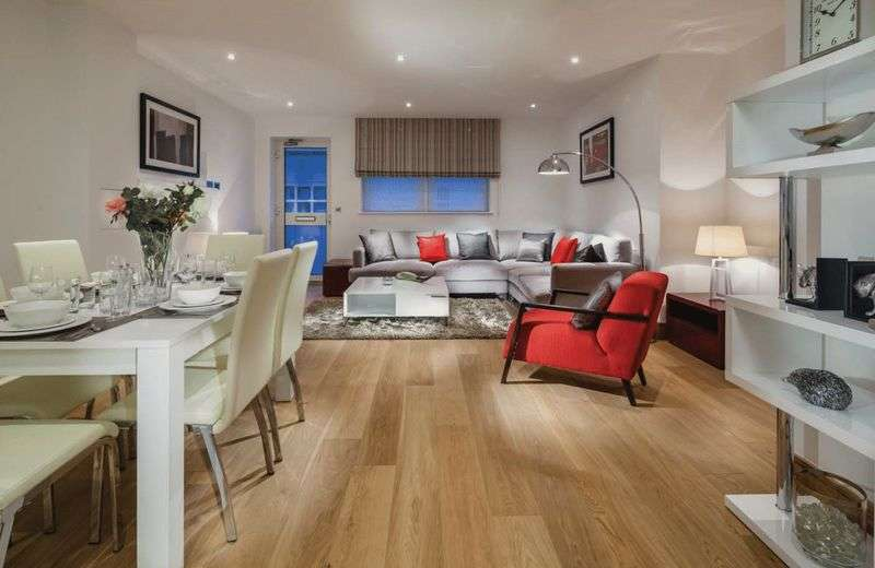 2 Bedrooms Flat for sale in Grove Place, West Court Eltham SE9