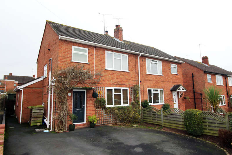3 Bedrooms Semi Detached House for sale in Oakhampton Road, Stourport-On-Severn, Stourport-On-Severn, DY13