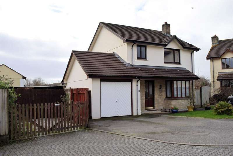 3 Bedrooms Detached House for sale in Treworlis Close, Helston, Cornwall