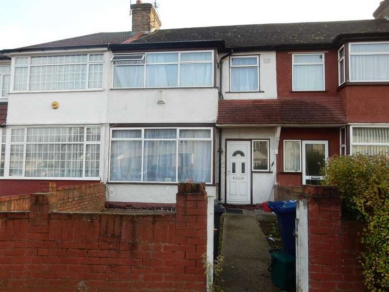 3 Bedrooms Property for sale in Kingsbridge Crescent, Southall, Middlesex