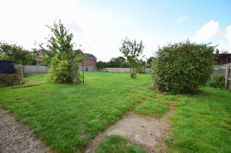 3 Bedrooms Detached House for sale in Willerton Road, Louth
