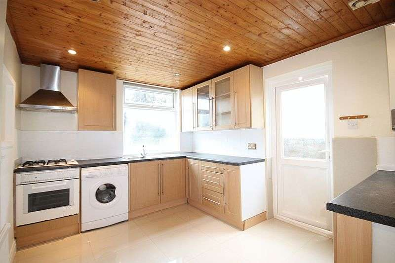 2 Bedrooms Semi Detached Bungalow for sale in Eastmead Avenue, Greenford