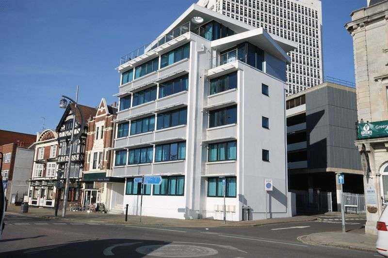 2 Bedrooms Flat for sale in 12-14 The Hard, Portsmouth