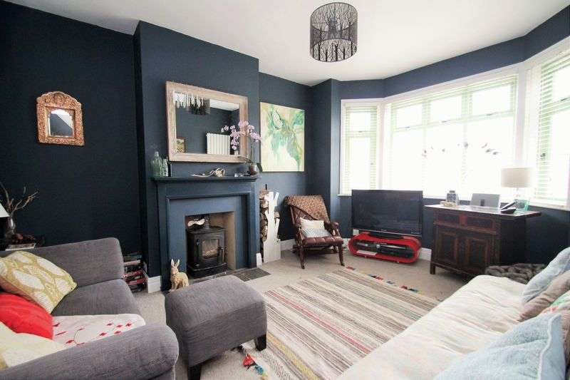 3 Bedrooms Semi Detached House for sale in Park Road, Cowes