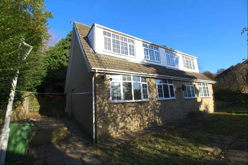 3 Bedrooms Semi Detached House for sale in Park Street, Dewsbury, WF13