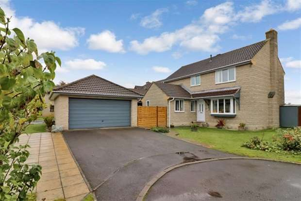 4 Bedrooms Detached House for sale in Plough Close, Street, Somerset