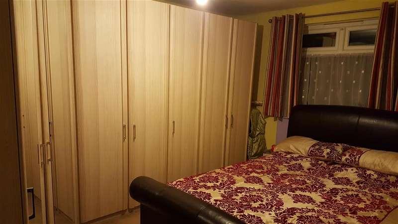3 Bedrooms Detached Bungalow for sale in Bridge Road, Wickford, Essex