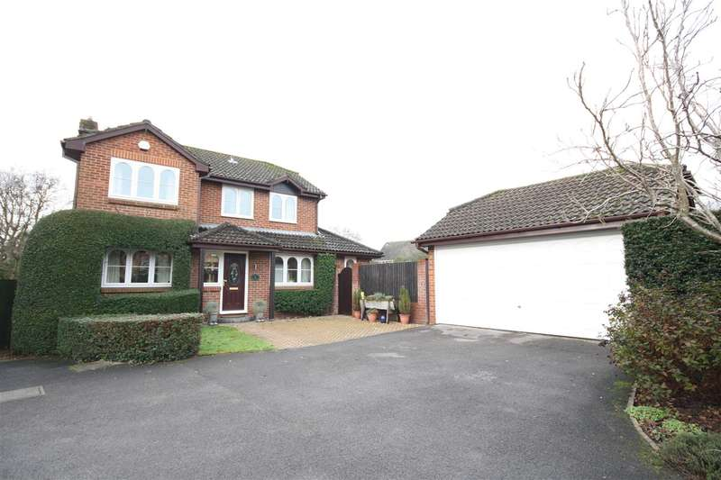 4 Bedrooms House for sale in WALTHAM CHASE