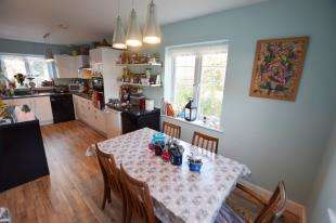 4 Bedrooms Detached House for sale in Akehurst Close, Hellingly, Hailsham, East Sussex