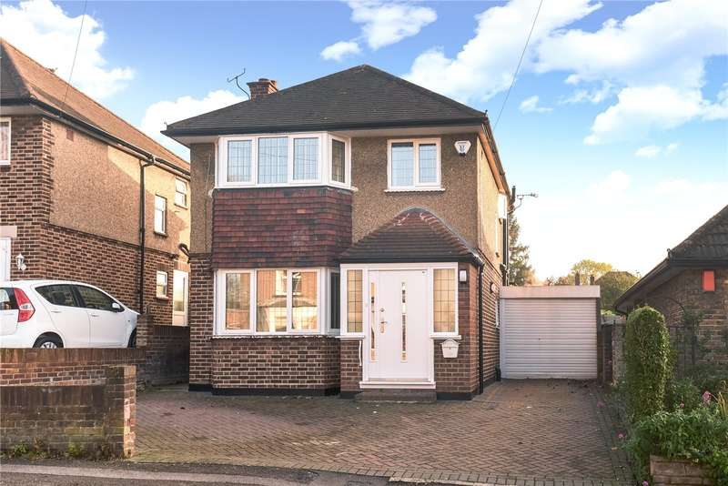 4 Bedrooms House for sale in Chiltern View Road, Uxbridge, Middlesex, UB8