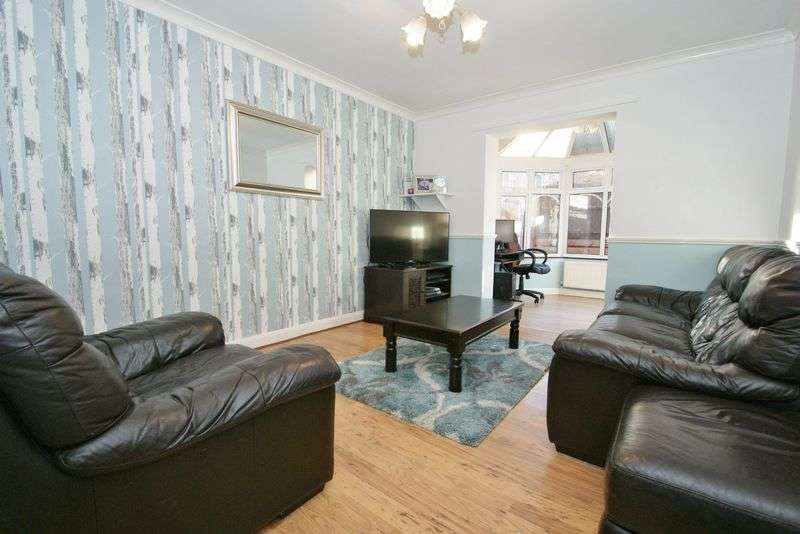 2 Bedrooms Terraced House for sale in Vange, Basildon
