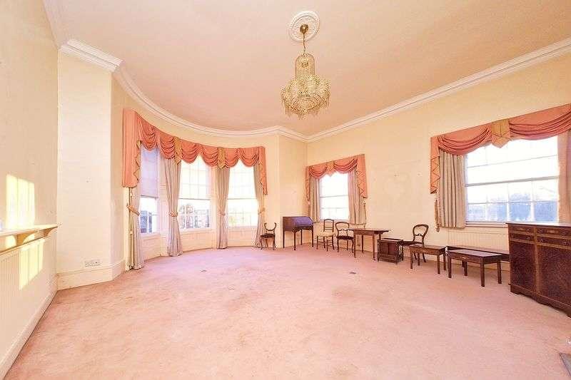 2 Bedrooms Flat for sale in High Street, Bognor Regis, PO21