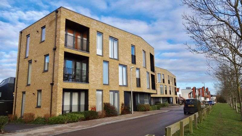 2 Bedrooms Flat for sale in Braggowens Ley, Harlow