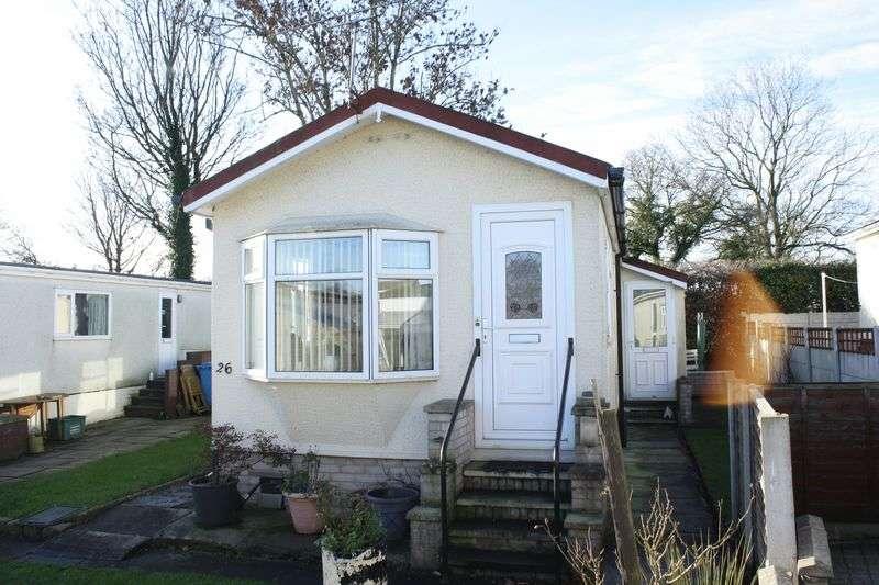 2 Bedrooms Bungalow for sale in 26 Burlingham Park, Garstang, Preston, Lancashire, PR6 8BL