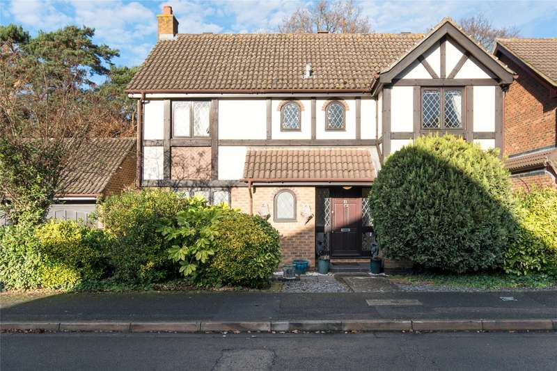 4 Bedrooms Detached House for sale in Scott Farm Close, Thames Ditton, Surrey, KT7