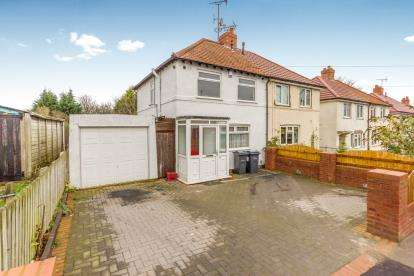 2 Bedrooms Semi Detached House for sale in Pollard Road, Acocks Green, Birmingham