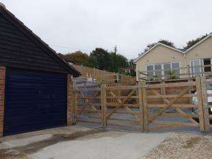 2 Bedrooms Bungalow for sale in Canterbury Road, Lydden, Dover, Kent