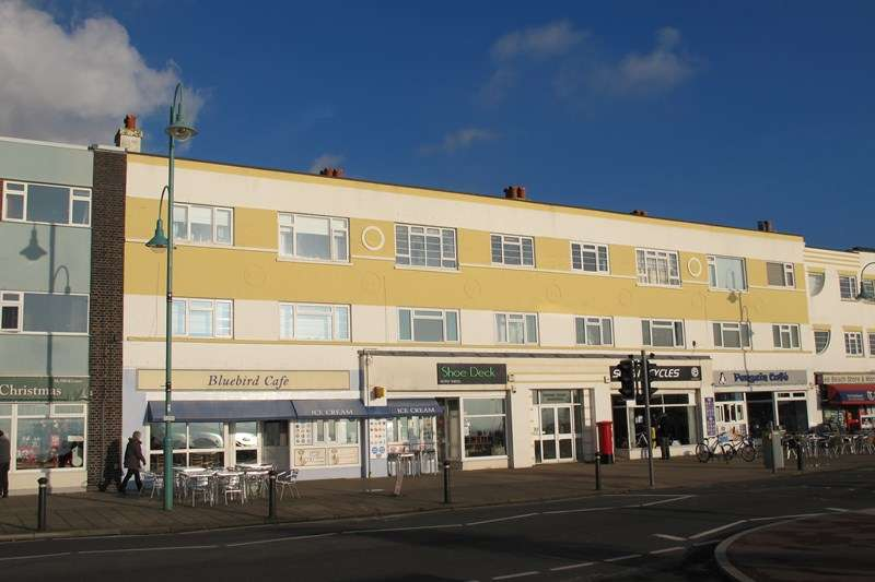 2 Bedrooms Apartment Flat for sale in Marine Parade West, Lee-On-The-Solent