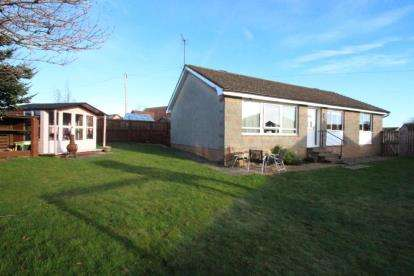 3 Bedrooms Bungalow for sale in The Sheiling, West End