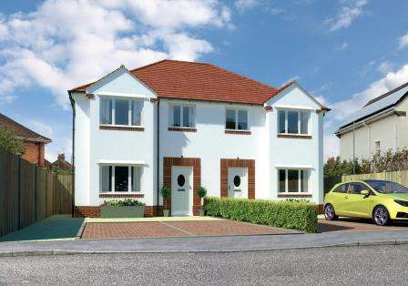 3 Bedrooms Semi Detached House for sale in Hamworthy, Poole BH15