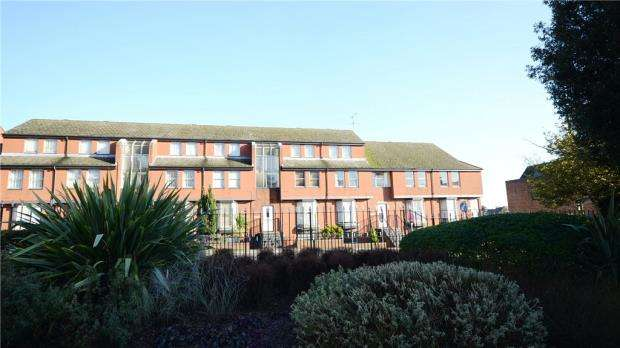 1 Bedroom Apartment Flat for sale in Sefton House, Grosvenor Road, Aldershot