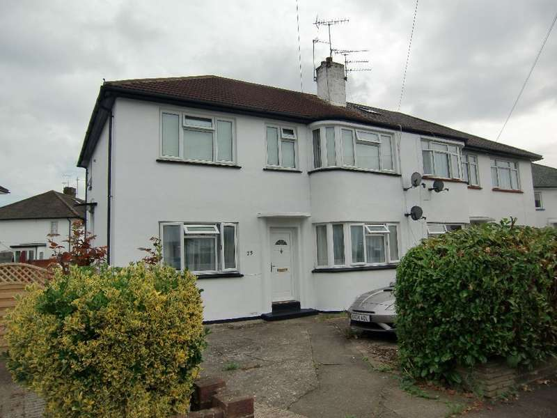 2 Bedrooms Maisonette Flat for sale in Trevellance Way, Garston, Herts