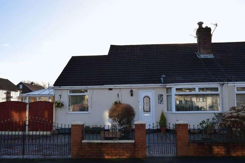 2 Bedrooms Semi Detached Bungalow for sale in Lichfield Avenue, Lowton, WA3 2JB
