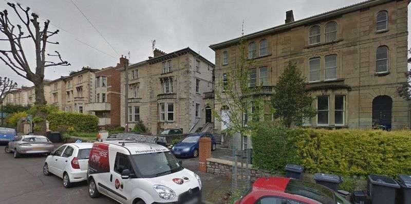 8 Bedrooms Flat for rent in Chertsey Road, Bristol