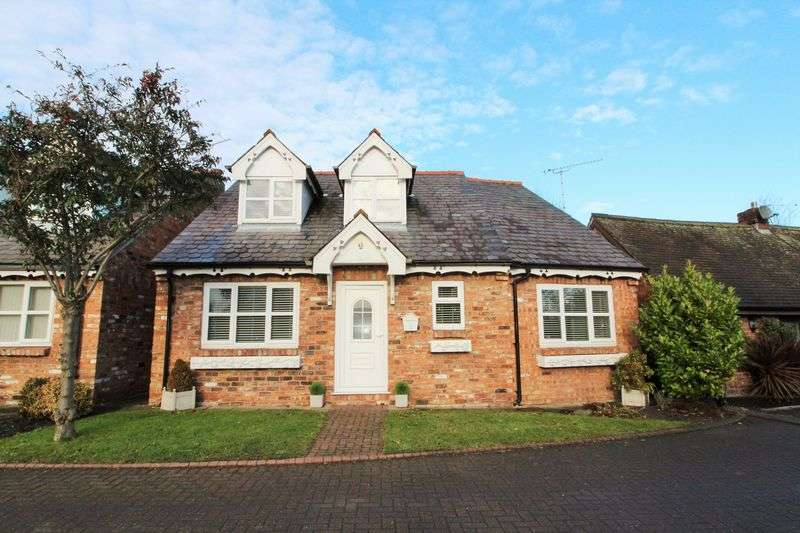 3 Bedrooms Detached House for sale in Longfold, Mere Brow, Preston