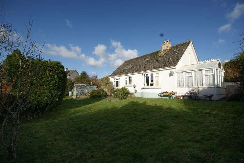 4 Bedrooms Detached Bungalow for sale in Queens Crescent, Bodmin