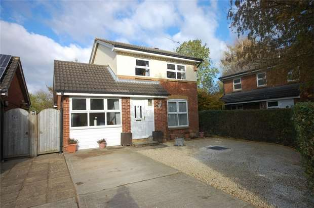 4 Bedrooms Detached House for sale in Fall Close, Aylesbury, Buckinghamshire